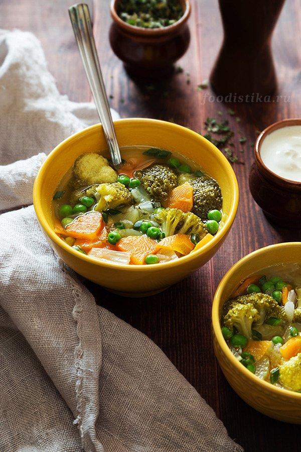 Вегетарианский овощной детокс-суп