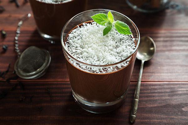 Шоколадный крем-мусс с кокосом
