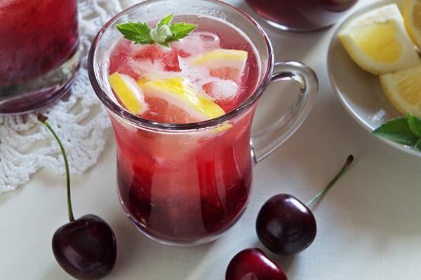 Домашний лимонад с черешней