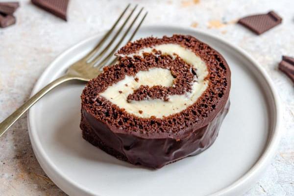 Шоколадный рулет со сливочным сыром
