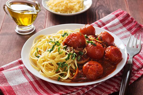 Итальянская паста с томатным соусом