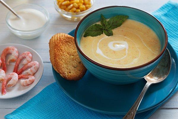 Сливочный суп с плавленным сыром и креветками