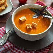 Томатный суп-пюре с базиликом